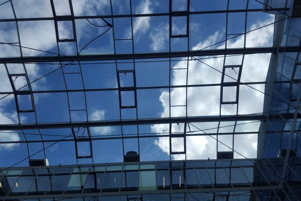 Verrière bâtiments tertiaires neufs du siège social LMH par Verrière du Nord
