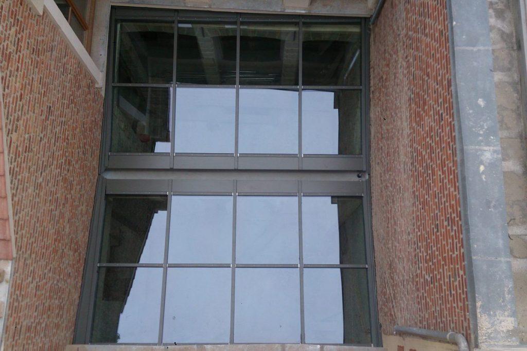 Vue extérieure de la verrière galerie vasse par verrières du Nord
